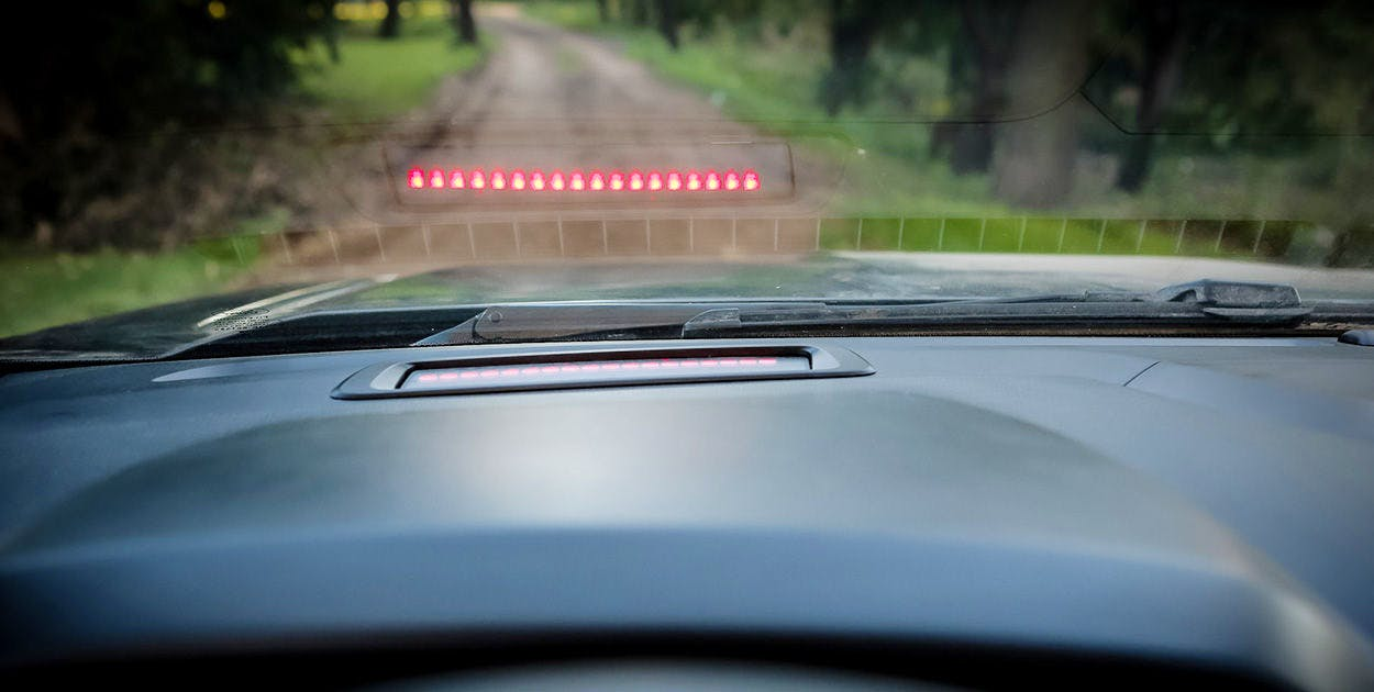 Piloto automático adaptativo com alerta de colisão
