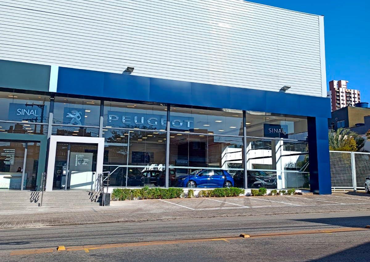 Peugeot Sinal Leste